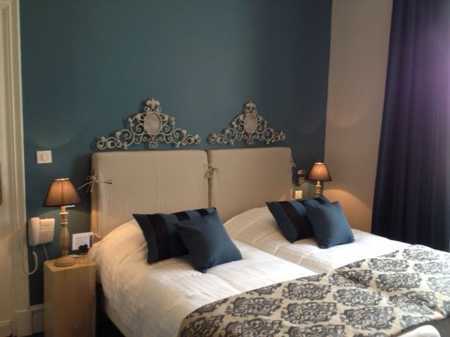 Chambre Twin Large - recently redecorated by MCG design