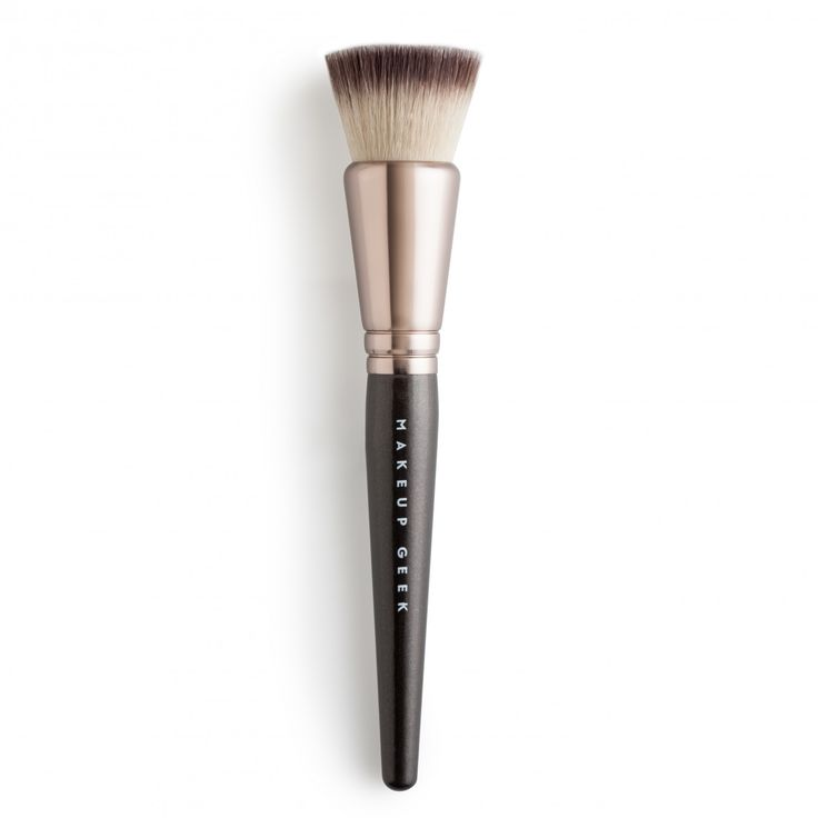 Makeup Geek Brush - Foundation Stippling Brush - MB03 - Makeup Geek