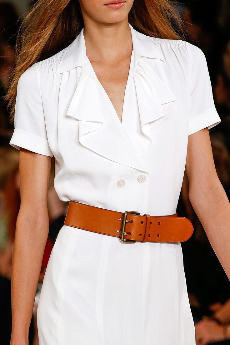"""Ralph Lauren -( """"sin"""" cintura) se """"marca"""" con el cinturón."""