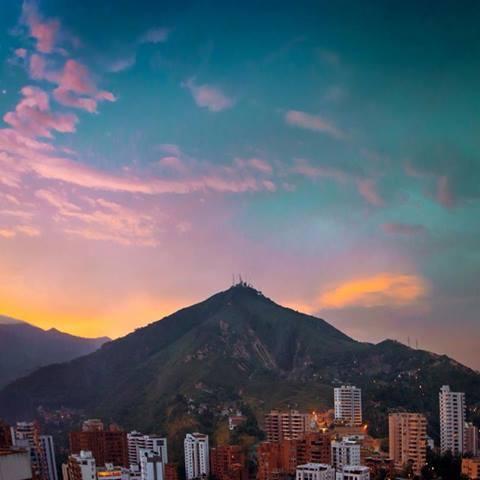 Cerro de las Tres Cruces en Cali #colombia
