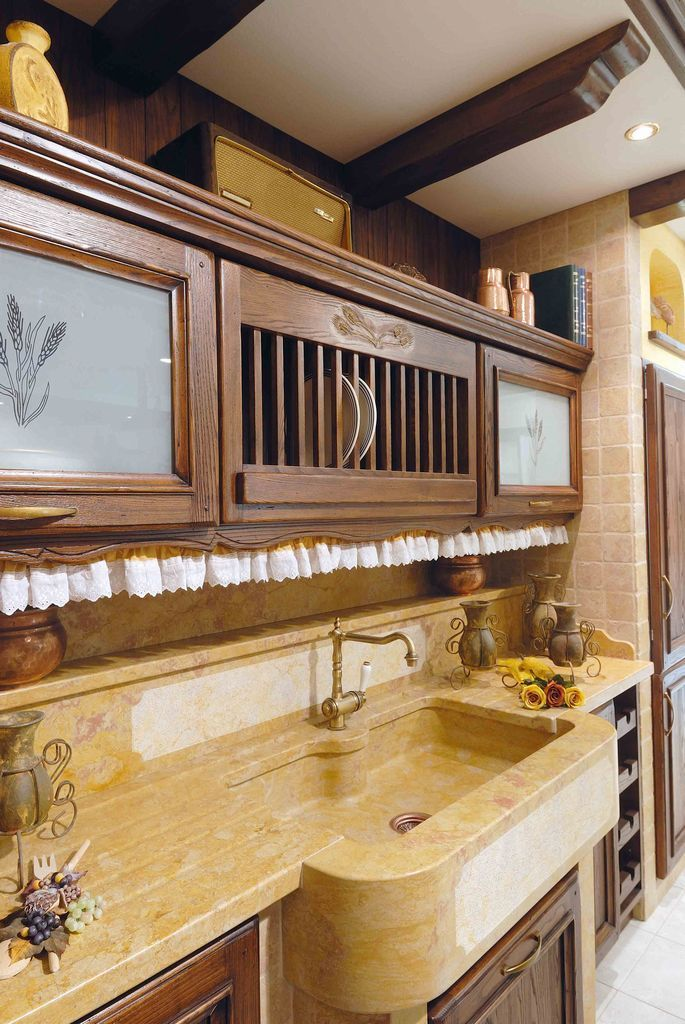 Oltre 25 fantastiche idee su arredamento antico su - Cucine a muratura moderne ...