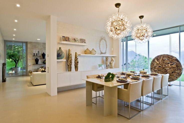 Oriental Chic : Salas de jantar ecléticas por Viterbo Interior design