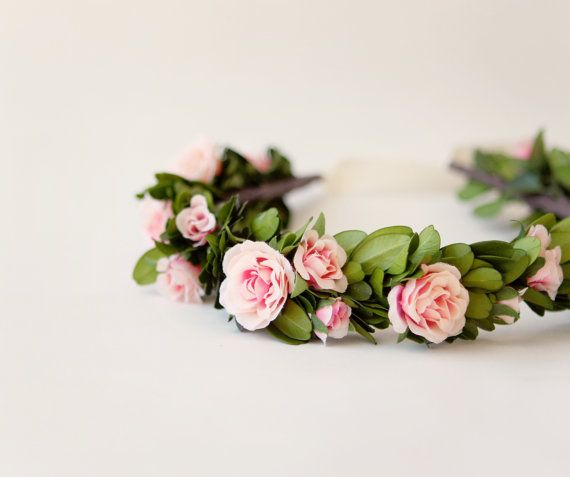 Boxwood and rose floral bridal wreath, Flower crown, Pink green, Boho bridal head piece, garden wedding accessory - COUNTRYSIDE auf Etsy, 65,43 €