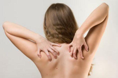 A viszketés testünk figyelmeztető jelzése, kísérő tünete a legkülönfélébb bőrbetegségeknek vagy mélyebben rejlő, belgyógyászati betegségeknek, de okozhatja gyógyszer is. Aki soha nem tapasztalta, n…