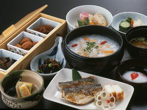 胃腸の疲れを感じたら、体の中からあたたまる薬膳がゆを食べにいこう!ホテルオークラ東京 和食・てんぷら「山里」の「和朝食」