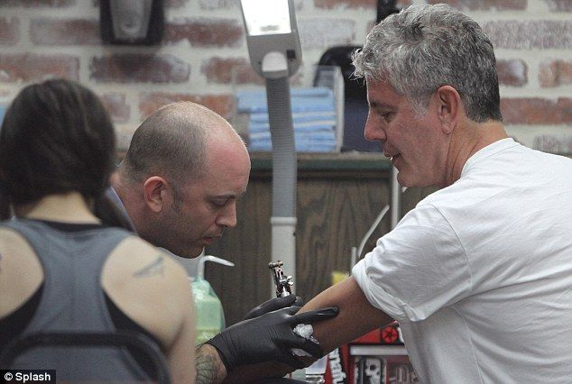 415 best images about anthony bourdain on pinterest restaurant silver foxes and chefs. Black Bedroom Furniture Sets. Home Design Ideas