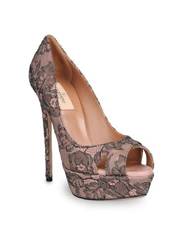amazing: Black Lace, Gowns Shoes, Toe Pumps, Open To Pumps, Open Toe, Valentine Garavani, Pumps Women, Formal Gowns, Opento Pumps