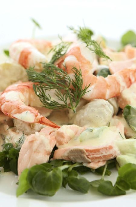 Potato salad with fresh salmon and shrimp -- Low FODMAP Recipe and Gluten Free Recipe #lowfodmaprecipe #glutenfreerecipe #lowfodmap #glutenfree    http://www.ibs-health.com/low_fodmap_potato_salad_salmon_shrimp.html