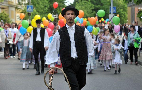 Tavaszköszöntő felvonulás Kecskeméten | Galéria | baon.hu baon