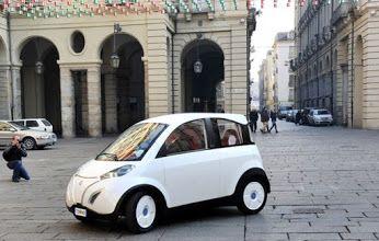 Webhouse.pt - Tem paineis solares. Custa 10 mil euros. É um carro!