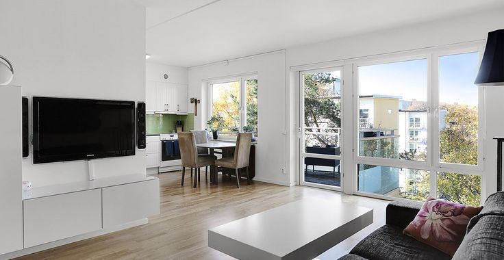 Ska du köpa, värdera eller sälja bostad i solna? Våra lokala mäklare förmedlar fastigheter i solna