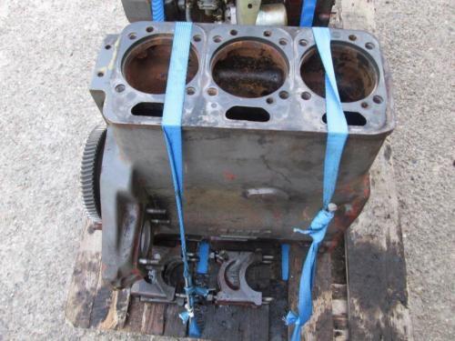 verkaufe mwm 225 3 motor in top zustand läuf echt gut bläut nicht hat richtig kraft usw leider mit...,mwm 3 zylinder motor fendt farmer 102 103 104 ls engine 3 zylinde in Niedersachsen - Gehrde