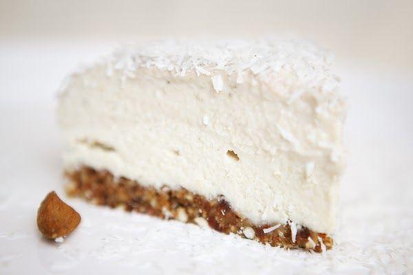 Coconut Banana Cashew Cake. Vegan raw dessert. This site has LOTS of great vegan raw desserts...