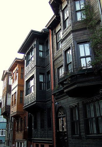 Houses In Istanbul by Kotomi_, via Flickr