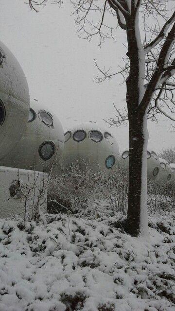 Bolwoningen in de sneeuw