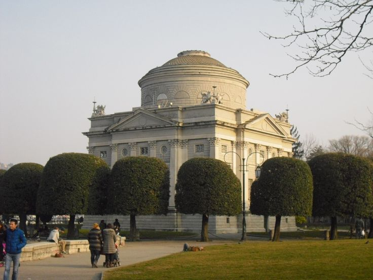 This is Volta Temple, a museum dedicated to the scientist Alessandro Volta, inventor of the battery and discover of methane gas.