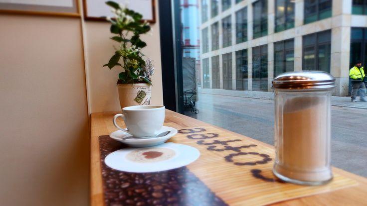 Cafe Crepa Voila