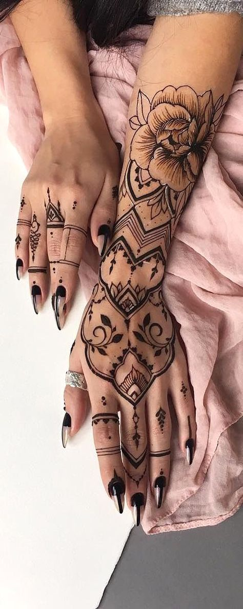 Black Henna Tribal Bohemian Hand Tattoo Ideas for Women – Realistic Rose Forearm…