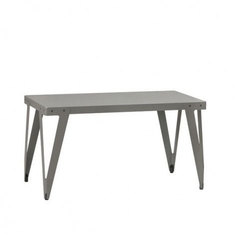 Lloyd Work tafel: I love this table. I have bought one for my son as a desk….not that he really appreciates design….:))