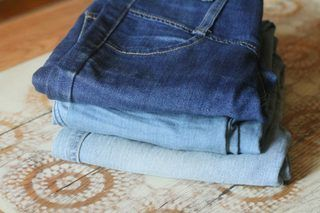How to Fade Jeans With Rit Color Remover | eHow