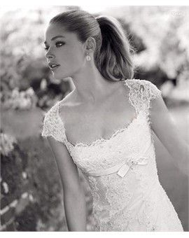 Elegant Lace Princess Scoop Neckline Cap Sleeves Wedding Dress (Front)  I love this dress!!!