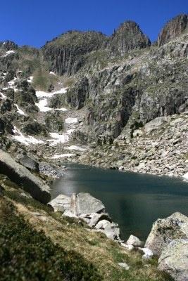 Lake Amitges Estany d Amitges, Parque Nacional Augestortes Sant Maurici, Pirineos  Catalonia