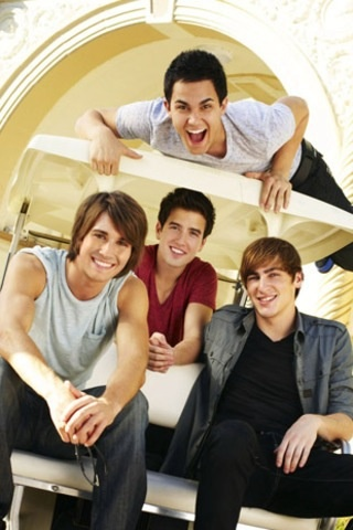 Remember BTR , ugh , they NEED 2 have a comback reunion , I luv them some much !! #BTR 4 ever