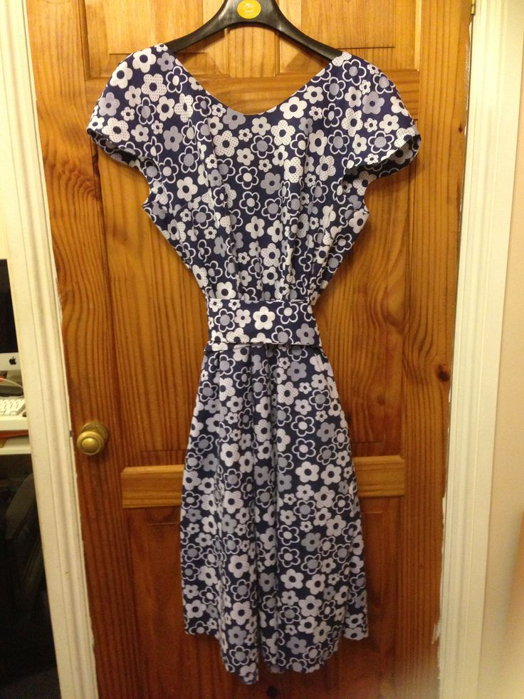 My first homemade crepe dress Colette pattern