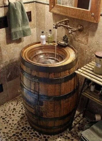 What a great idea for a vintage sink in your holiday cabin