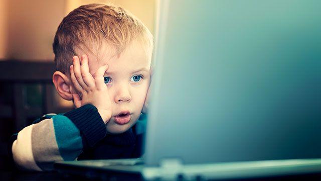Omnibot-Retro gaming: Μωρά σε PC gaming δράση!