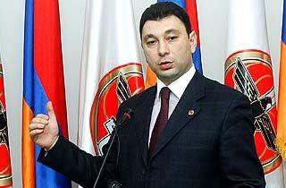 Эдуард Шармазанов: В Армении созданы равные условия для всех участвующих в предвыборной гонке политических сил