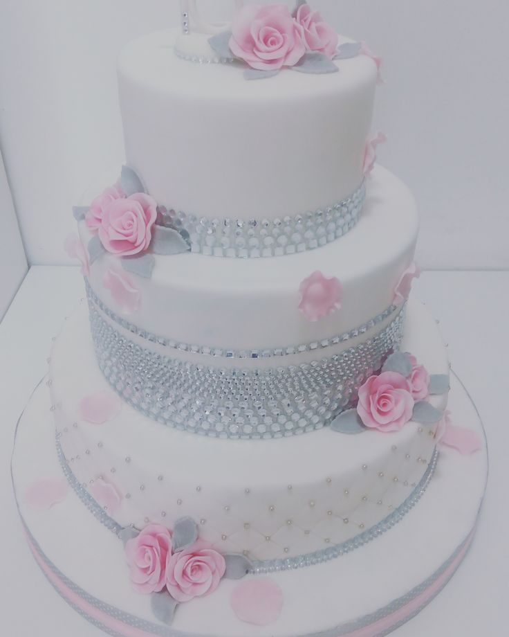 diamonds cake