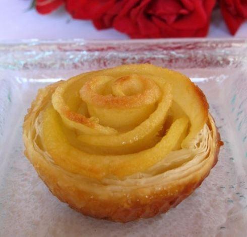 Rosas con hojaldre y manzana para Sant Jordi o San Valentín, sin azúcar | Dulces Diabéticos