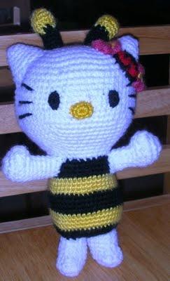 Hello Kitty Bumble Bee amigurumi