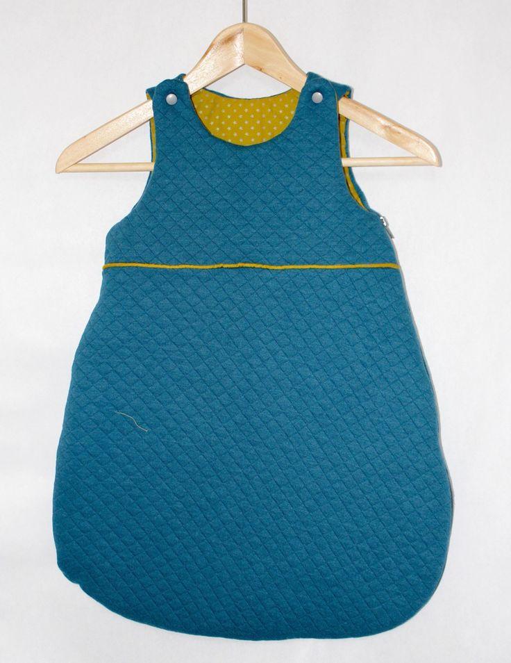 Turbulette / gigoteuse naissance (0-6 mois) coloris canard et olive à étoiles argentées - tissu France Duval Stalla. : Mode Bébé par tydals