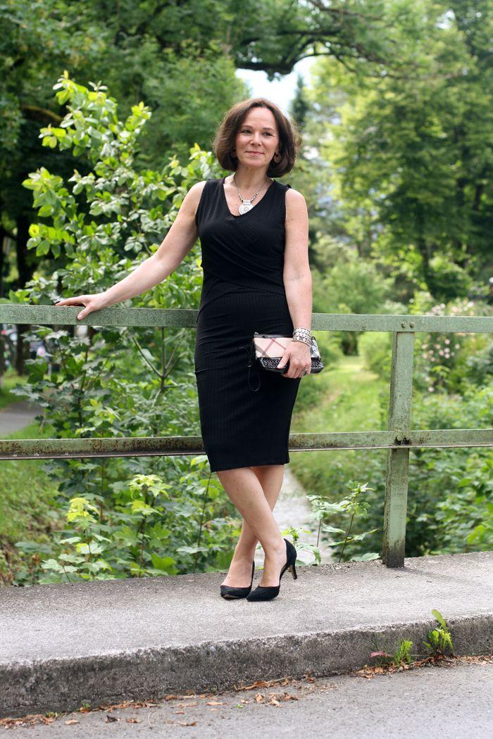 Top 10 Little Black Dresses unter 30€ im Mango Sale