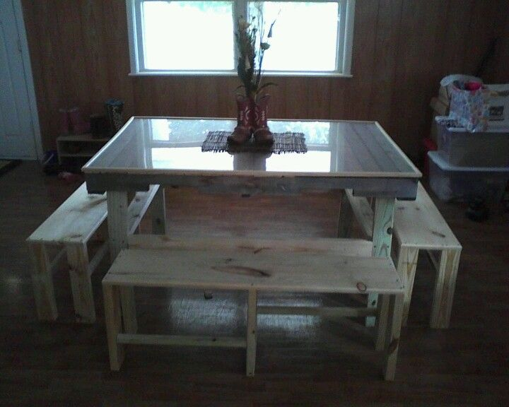 1000 images about pallet kitchen table on pinterest for Pallet kitchen bench