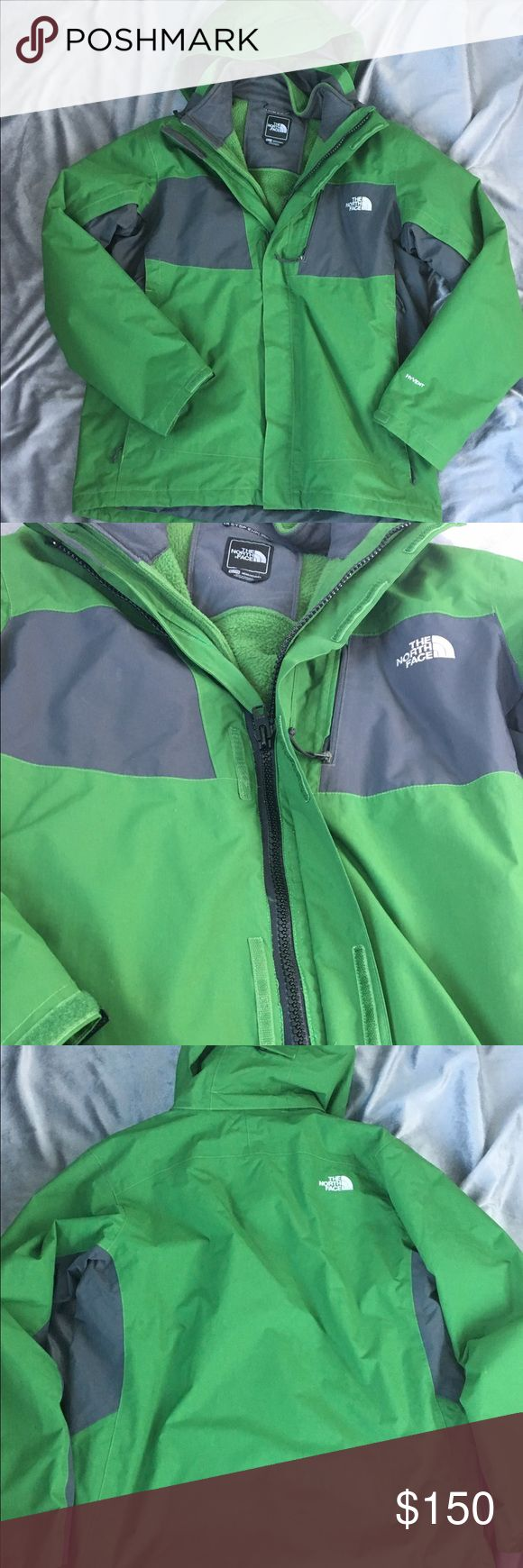 Men's Two Layer North Face Authentic. Gently worn. Slight piling on fleece interior jacket pictured. Brand new zipper put on for high durability. Large zipper easy for closure with gloves on. Comes with good. Color is green. ⭐️Make an offer using the offer button or take advantage of my bundle discount! 🚫Trades North Face Jackets & Coats Ski & Snowboard