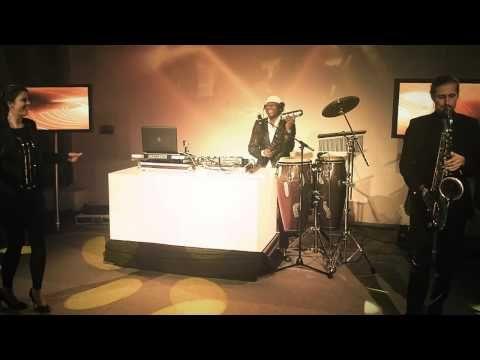 Videos der Coverband und Hochzeitsband Roadrunner aus Köln. Wir spielen 70er, 80er, 90er und aktuelle Charts. Unser beliebtes