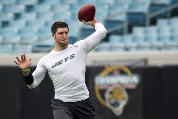"""Tim Tebow News Update: QB To Go To Eagles? Hope Left For Him? John Elway Thinks So"" Latinos Post (January 24, 2013)"