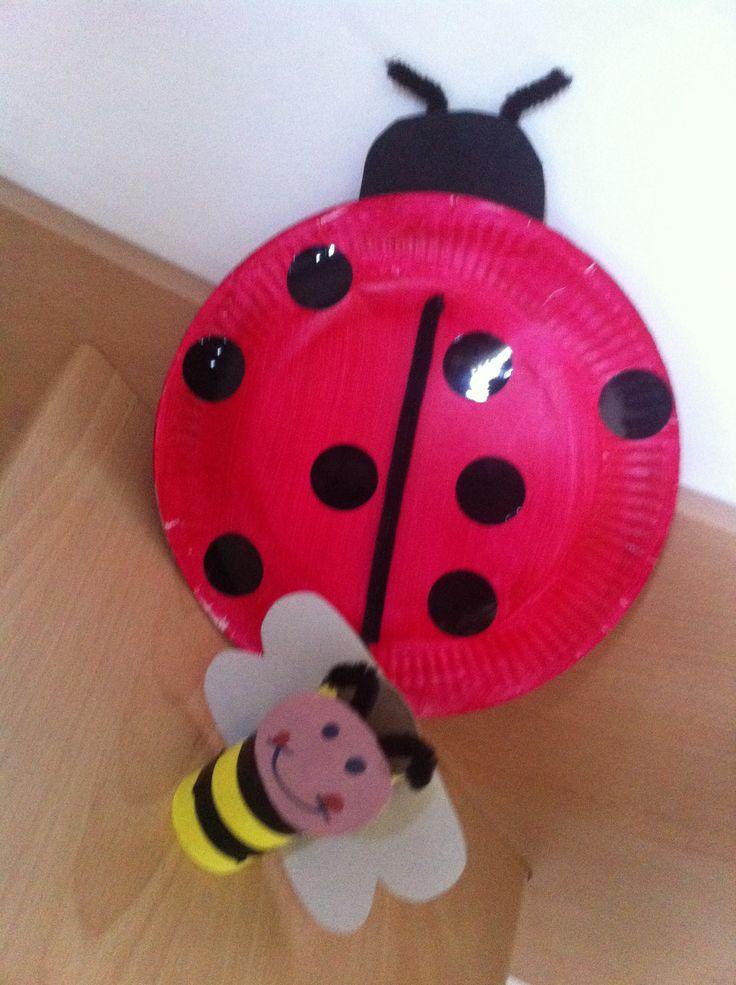 Coccinelle en assiette en carton et abeille en rouleau for Des cartons pour demenager