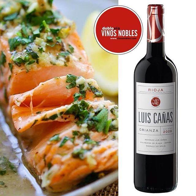 Nuestro #LuisCañas Crianza es perfecto para maridar pescados. Solemos pensar que lo mejor para estos platos son los vinos blancos y rosados, sin embargo; el salmón, atún o bacalao al ser muy grasos van muy bien con los vinos tintos jóvenes o crianza, de sabor más frutado. ¡Sorprende a tus invitados con #VinosNobles! @BodegaLuisCañas