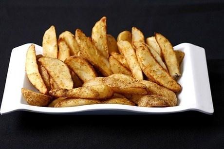 Хрустящие картофельные дольки в специях рецепт с фото
