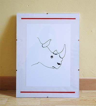 Le profil du Rhinocéros.  Pour une déco aux accent de nature et de safari, offrez à votre intérieur ce portrait de Rhinocéros ! Impression d'une illustration originale au stylo à encre.