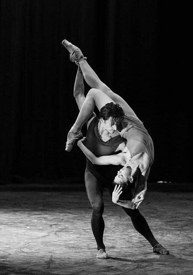 les 1772 meilleures images du tableau danse sur pinterest dansant danse classique et images. Black Bedroom Furniture Sets. Home Design Ideas