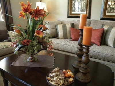 Coffee Table Decorating Ideas..something similar/smaller without the bouquet of flowers