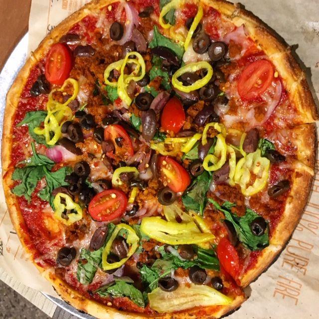 Blaze Pizza Build A Vegan Pizza Theme Park Anthropologist In 2020 Vegan Pizza Pizza Vegan