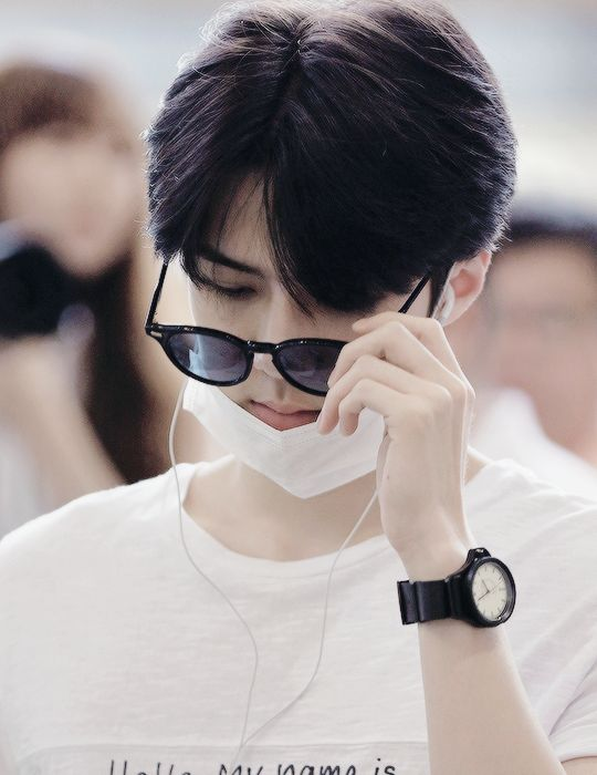 so flawless ;^; i want his watch, btw #sehun #EXO