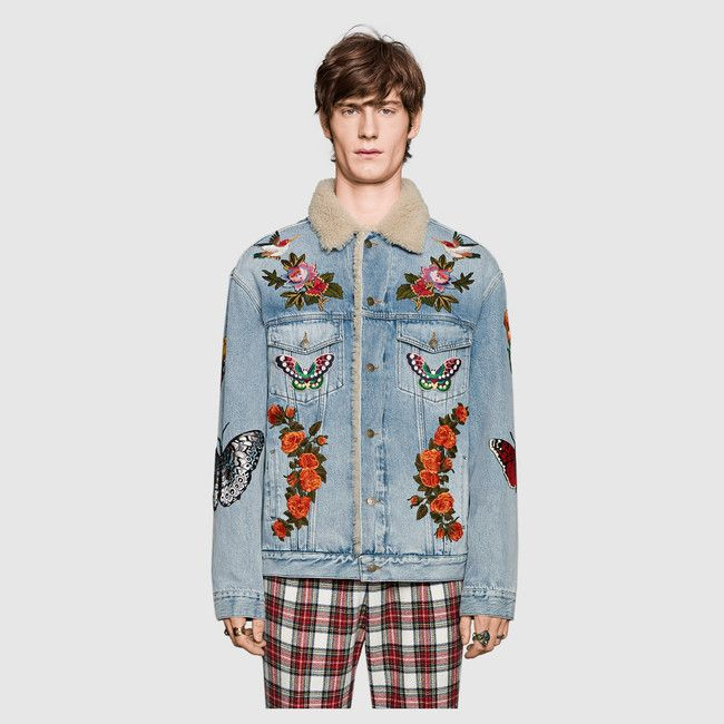 Gucci Embroidered denim jacket with shearling Detail 3 Moda Streetwear, Streetwear Fashion, Gucci Denim, Men's Denim, Denim Jacket Patches, Bleached Denim, Washed Denim, Embroidered Denim Jacket, Denim Outfit