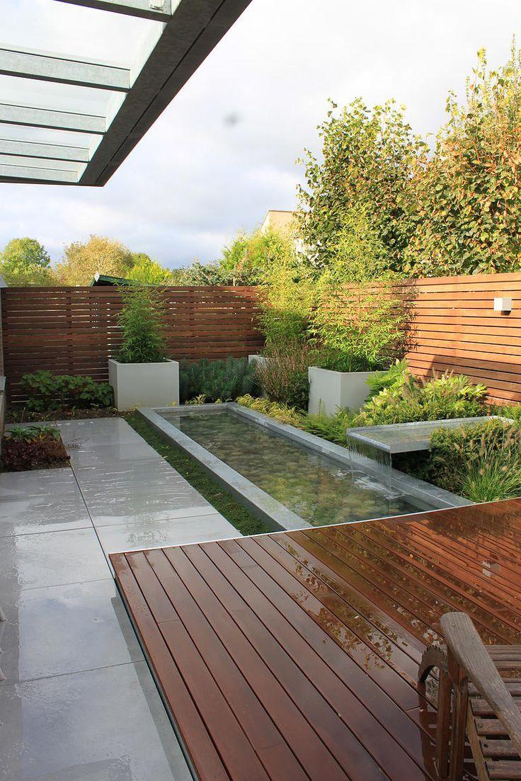 Hoveniersbedrijf Guy Wolfs gebruikt in veel van zijn ontwerpen een buitenparketvloer.